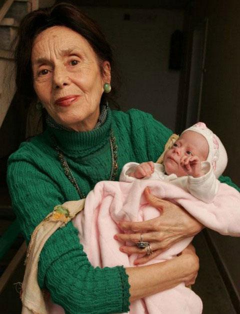 Самая пожилая мать в мире