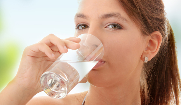 Глоток воды повышает настроение