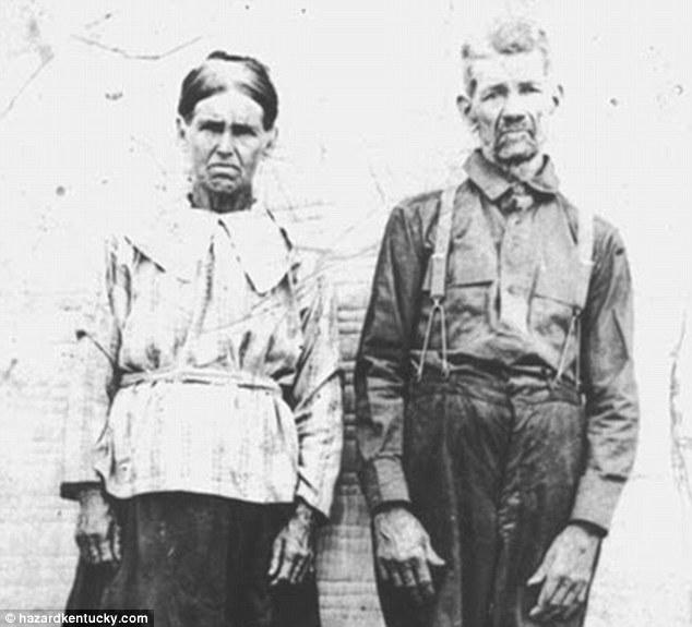 На фотографии, сделанной в 1915 году, запечатлены Лоренцо Доу Фугейт (Lorenzo Dow Fugate) и Элеонор Фугейт (Eleanor Fugate)
